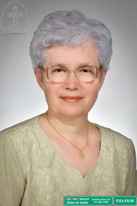 Makóné Csicsely Anikó – tanár