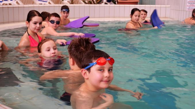 Úszásoktatás Gyopárosfürdőn