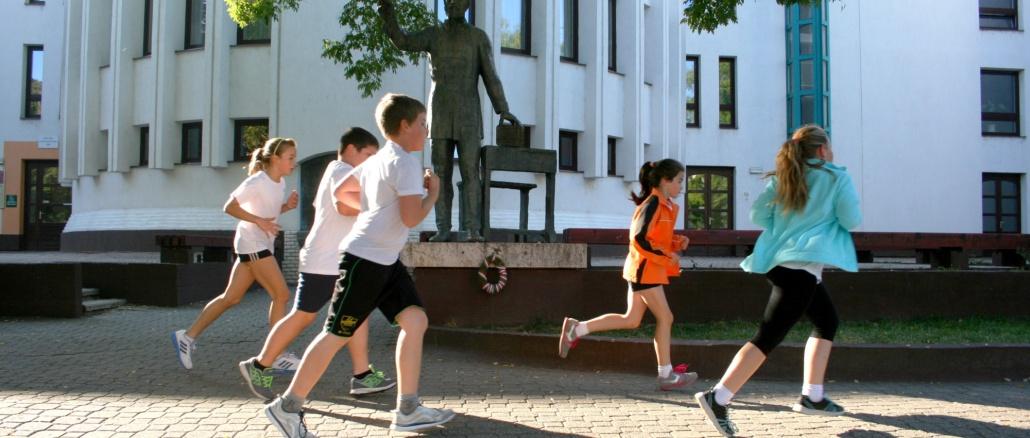 Eötvös József Katolikus Általános Iskola és Óvoda_Sportnap 20160003