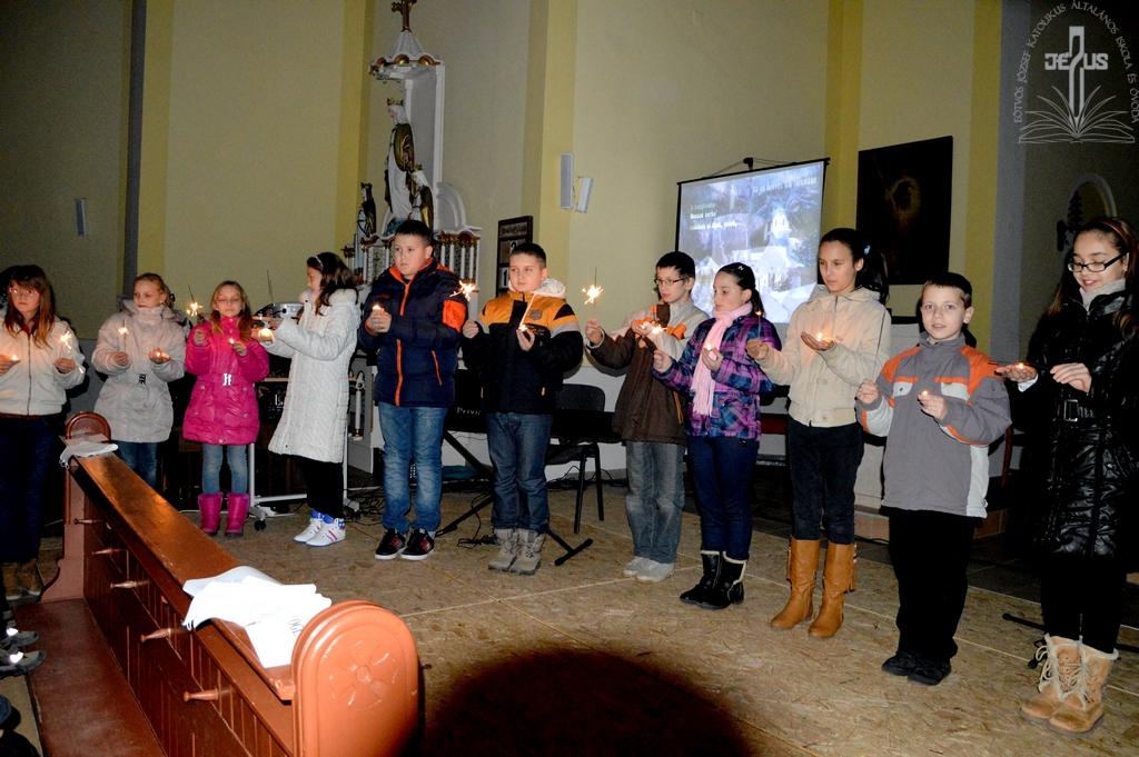Karácsonyi mise a templomban
