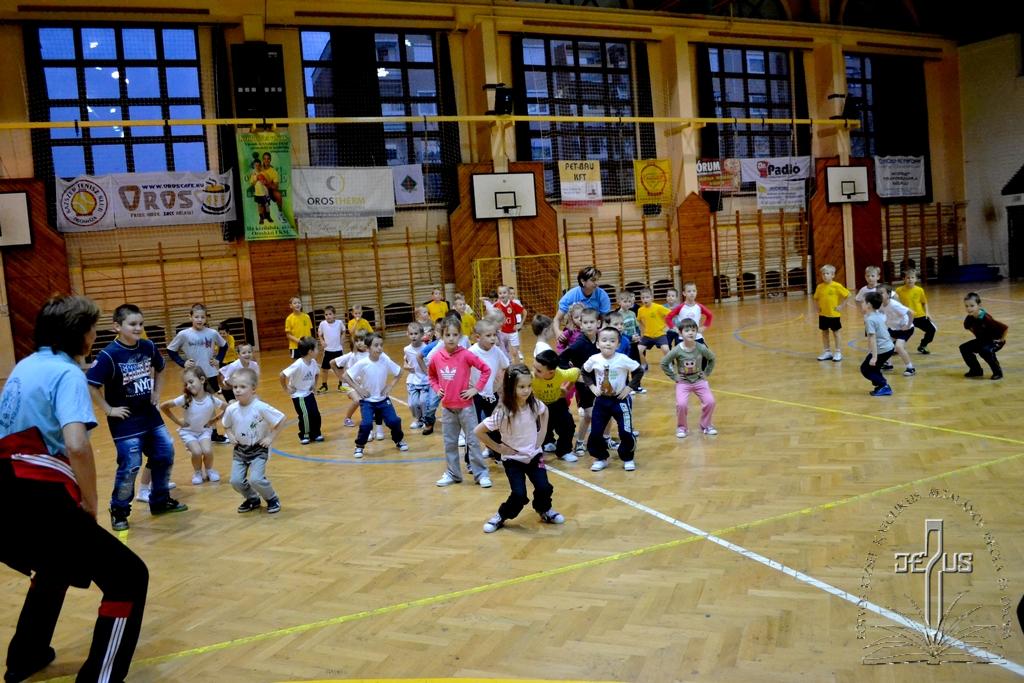 iskolanyitogató_2013-2